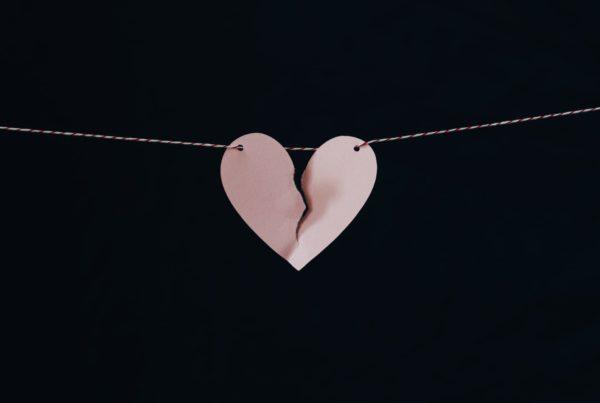 paper-heart-breaking