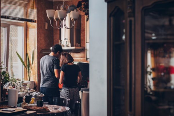 unmarried-couple-in-kitchen